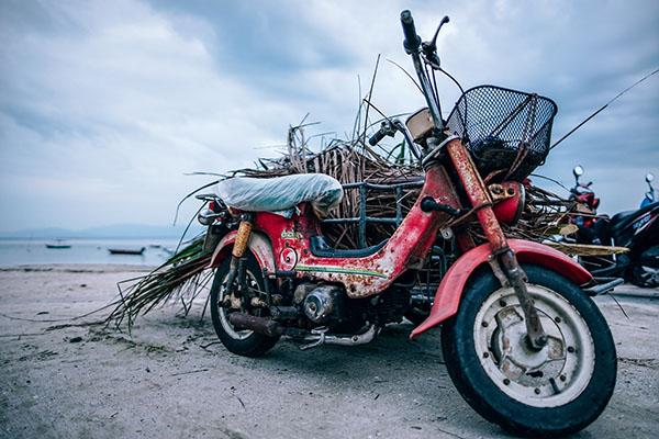 epaviste moto scooter